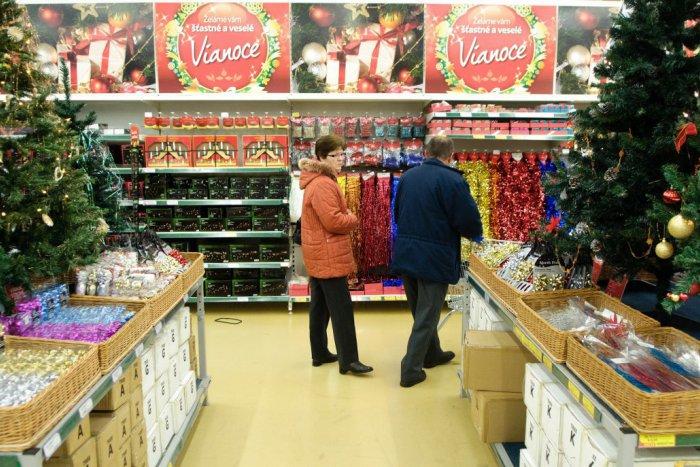 Zistili sme to za vás  Takto budú počas sviatkov otvorené obchody a nákupné  centrá v Bratislave  256436c0ad1