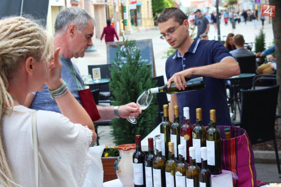 Máte chuť na dobré vínko  V Senci sa začal prvý ročník tamojšieho ... db1a1fe1cb3