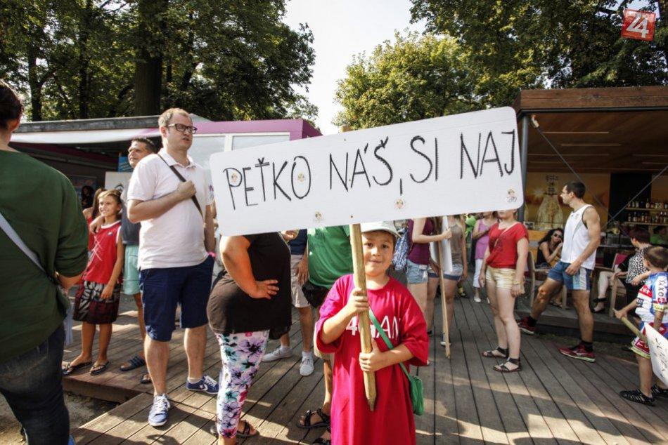 48c692b25c22c Ilustračný obrázok k článku OBRAZOM: Ako Peter Sagan potešil v Bratislave  svojich fanúšikov