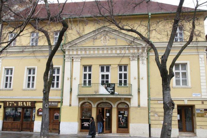 4135fa427 Ilustračný obrázok k článku Bratislavské NAJ: Najstaršie kino premieta  nepretržite už viac ako 100 rokov
