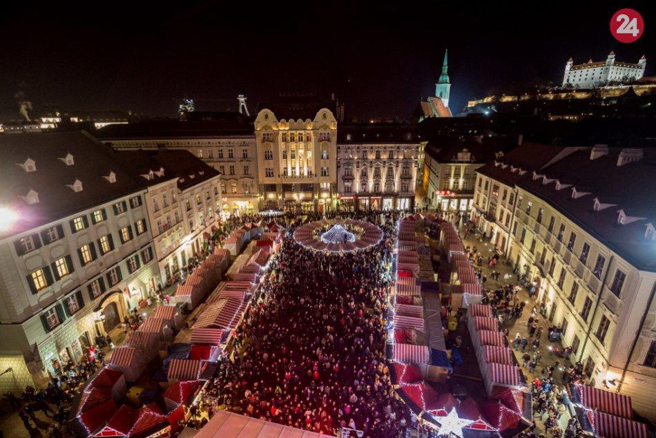 9c75c109c Ilustračný obrázok k článku História Vianočných trhov v Bratislave sa  začala písať v roku 1993